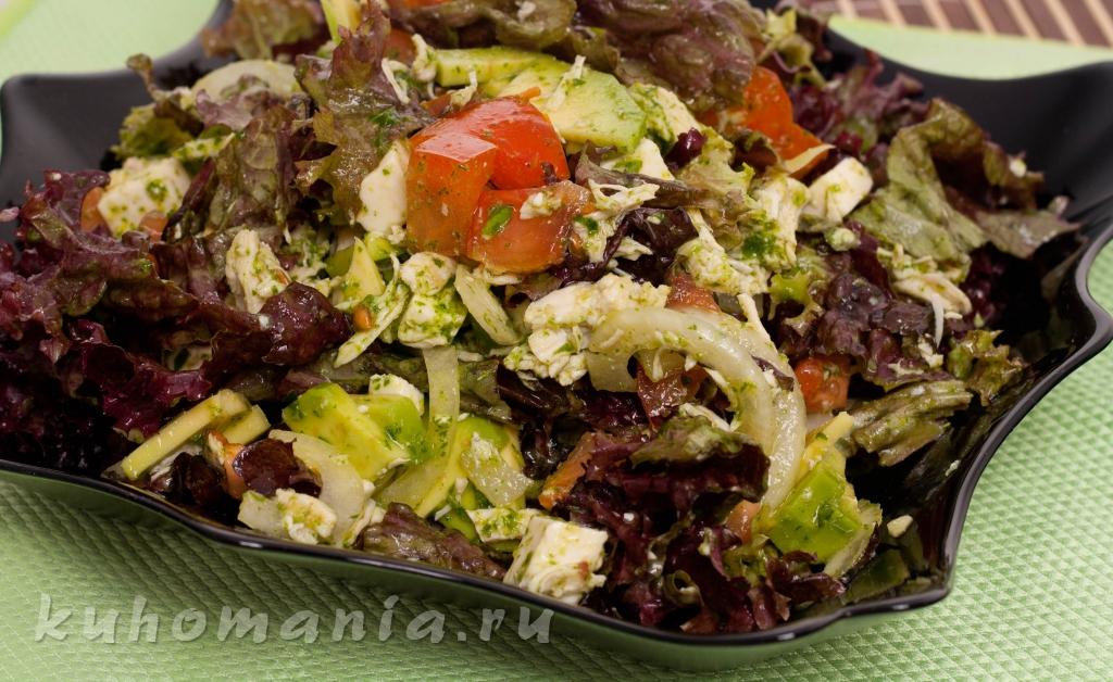 Салат с авокадо с курицей 137